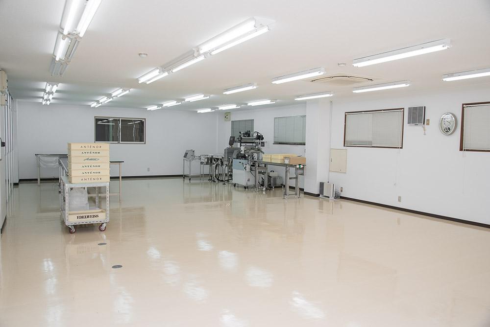 豊中営業所・物流センター 一次加工室